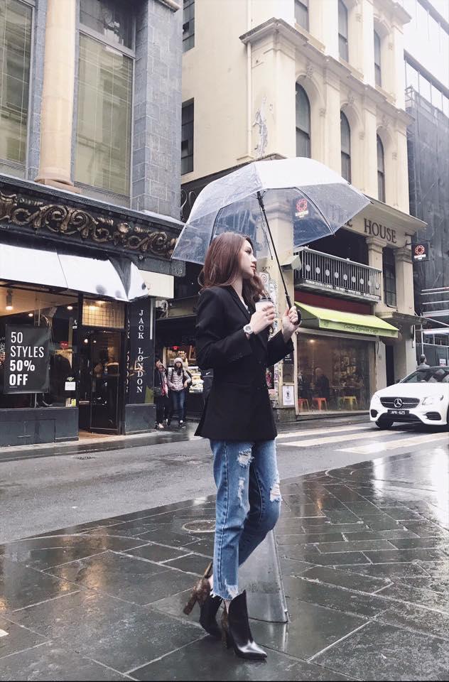 """Tiểu thư """"hội con nhà giàu Việt"""" khoe nội y dưới váy siêu mỏng - 8"""