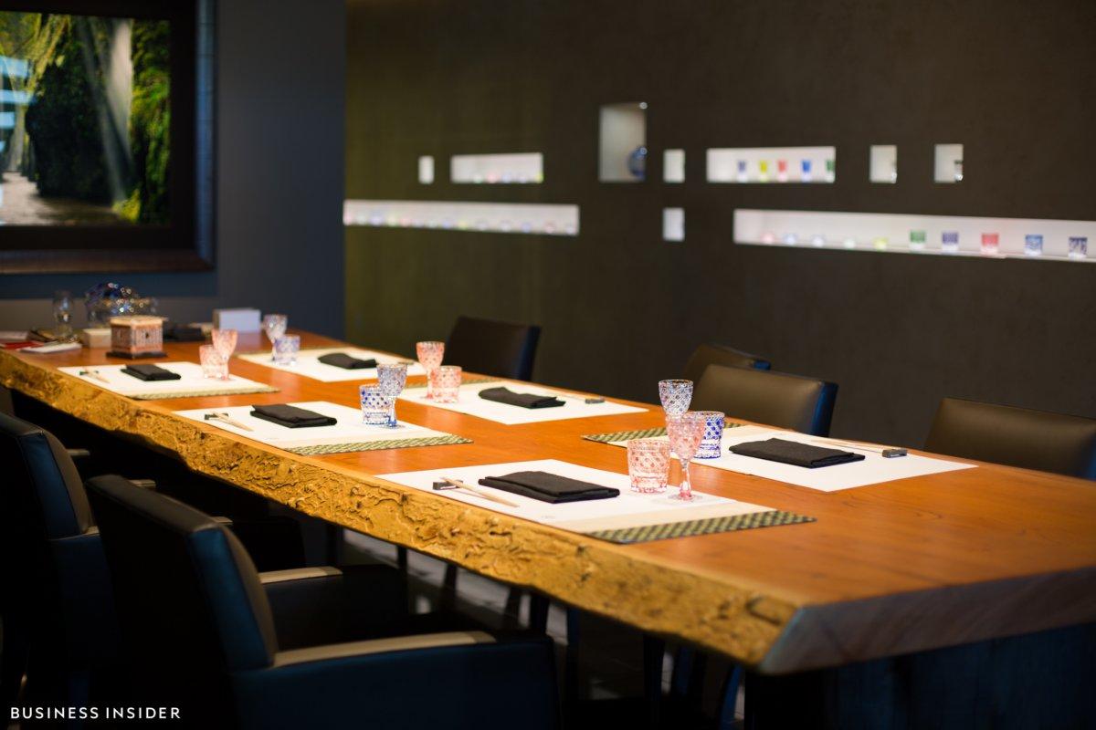 Ghé thăm nhà hàng nơi lãnh đạo Google, Apple thường tới ăn bít tết rắc vàng - 5