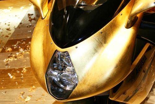 MV Agusta F4 dát vàng giá 2,7 tỷ đồng xa hoa cùng cực - 5