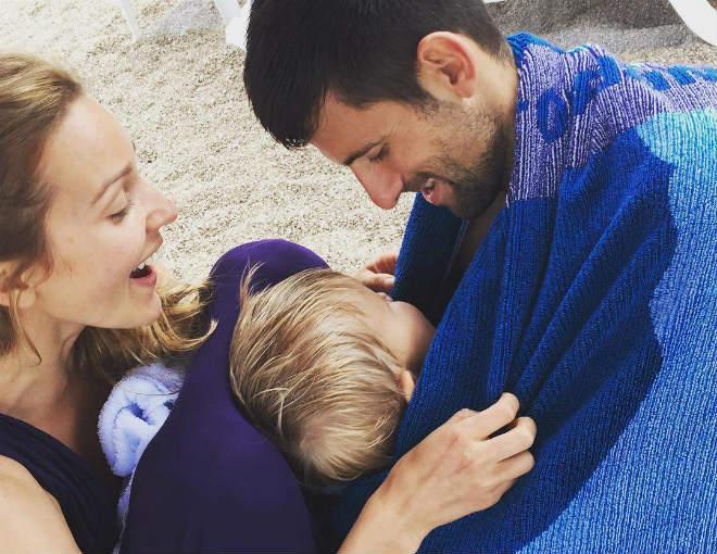 """Tin thể thao HOT 5/8: """"Djokovic nên yên phận ở nhà trông con"""" - 1"""