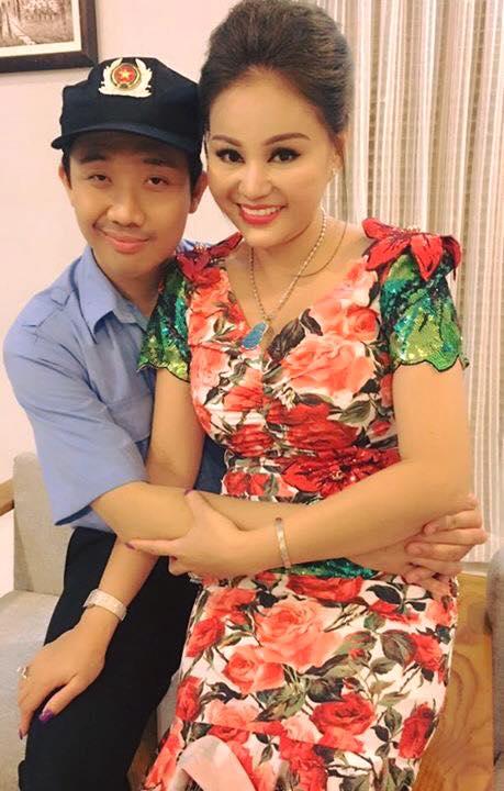 Không thể tin được thân hình Vy Oanh sau 17 ngày sinh con - 8
