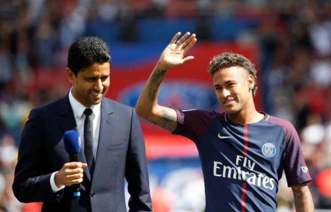 Sau Neymar, PSG tranh Sanchez với Man City: Nhà giàu đọ tiền - 1