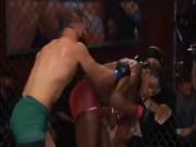 """UFC: 1 đá đối thủ đã """"hít oxy"""", """"Bố già"""" liền đưa lên mây"""