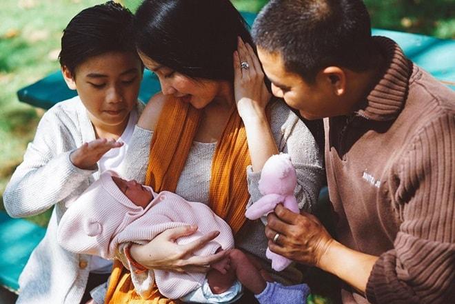 """Cuộc sống """"khó ngờ"""" của các mỹ nhân Việt lấy chồng nước ngoài - 8"""