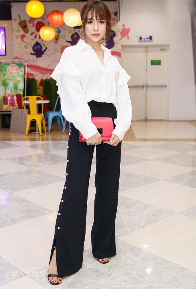 Minh Hằng diện váy hớ hênh lọt top sao mặc xấu nhất tuần - 6