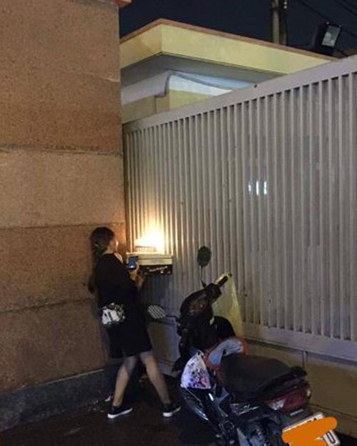 """Cô gái vượt đường xa tổ chức sinh nhật cho bạn trai qua """"song sắt"""" - 3"""