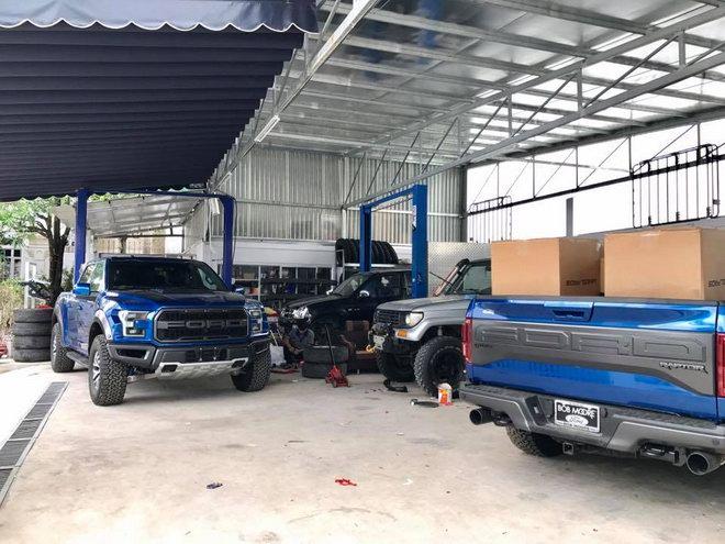 Bộ đôi hàng khủng Ford F-150 Raptor giá 4,5 tỷ đổ bộ TP.HCM - 4