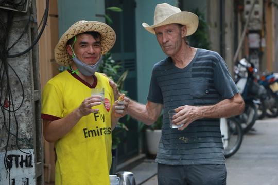Gặp cựu binh dù Mỹ trở lại Hà Nội diệt… tường bẩn - 10