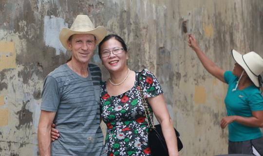 Gặp cựu binh dù Mỹ trở lại Hà Nội diệt… tường bẩn - 12