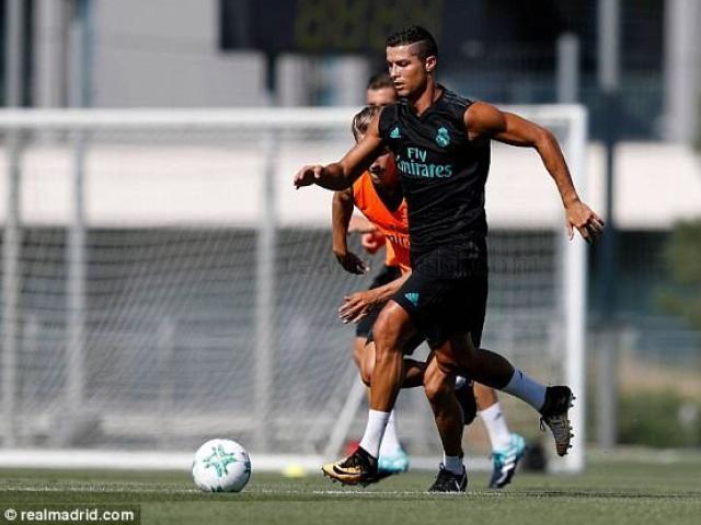 Ronaldo tái xuất Real, chờ gieo sầu cho MU ở Siêu cúp