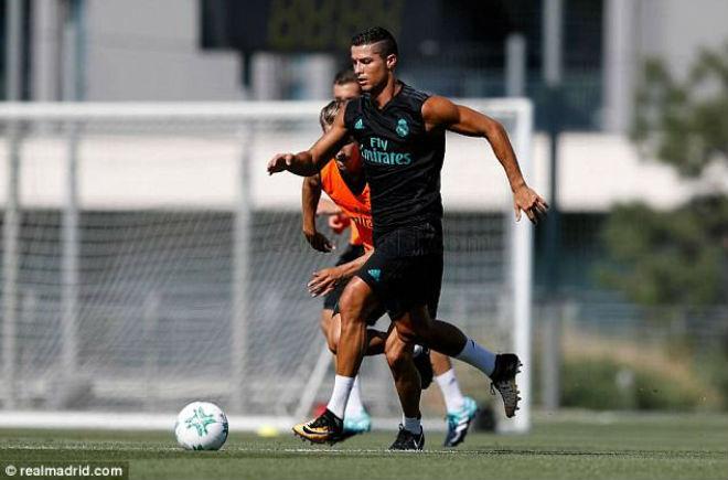 Ronaldo tái xuất Real, chờ gieo sầu cho MU ở Siêu cúp - 7