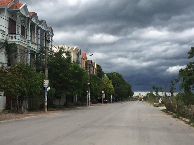 Mây kỳ quái tựa UFO xuất hiện ở Sầm Sơn: Nhìn thấy từ xa hàng chục km - 10