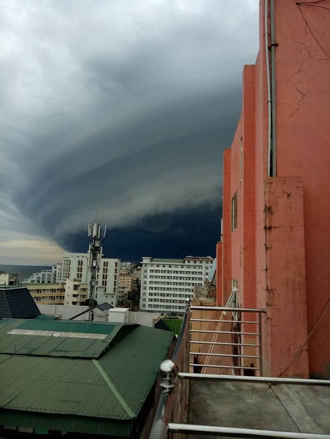Mây kỳ quái tựa UFO xuất hiện ở Sầm Sơn: Nhìn thấy từ xa hàng chục km - 7