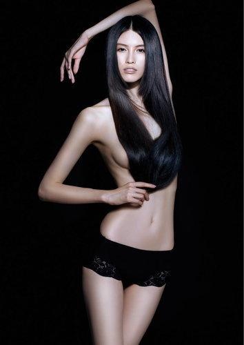 """Sắc vóc hoàn hảo của """"thiên thần"""" nội y đam mê chụp ảnh bán nude - 1"""