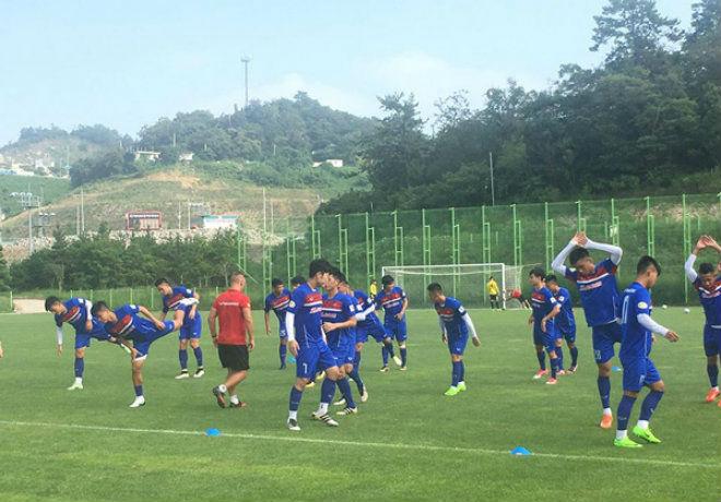 U23 Việt Nam luyện tuyệt chiêu như Barca, đợi hạ Busan - 1