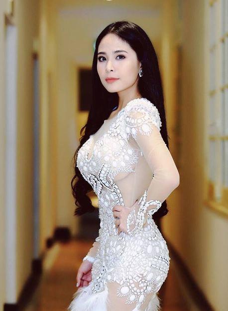Không phải Elly Trần, đây mới là mỹ nữ bốc lửa nhất! - 11