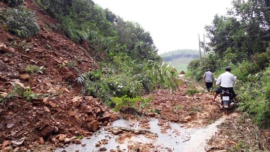 Tiếp tục mưa lớn tại Yên Bái, 1 người chết, nhiều người bị thương - 1
