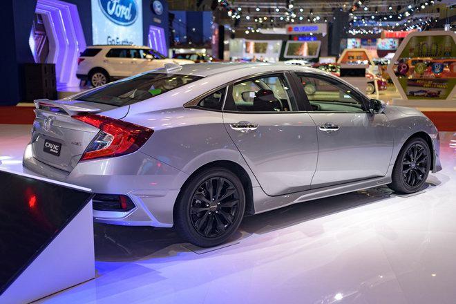 Honda Civic Modulo thêm mạnh mẽ với bodykit thể thao - 6