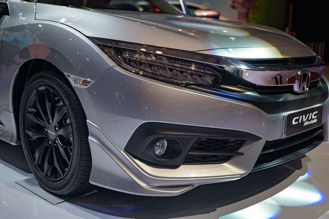 Honda Civic Modulo thêm mạnh mẽ với bodykit thể thao - 8