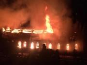 Tin tức trong ngày - Nhà thờ cổ 130 năm tuổi bằng gỗ lim bị thiêu rụi trong đêm
