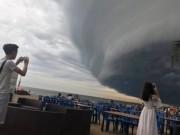 Tin tức trong ngày - Đang xác minh thông tin mây kỳ quái tựa UFO trên biển Sầm Sơn