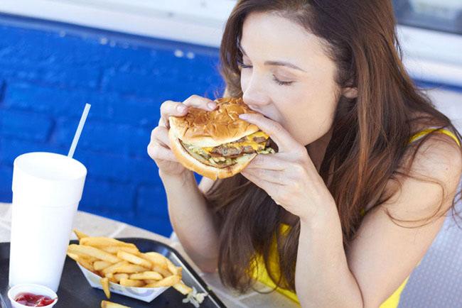 Thói quen ăn uống dẫn đến trầm cảm nhiều người mắc phải - 2
