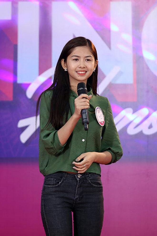 """Hot girl """"chân khoèo, mắt lác"""" gây bất ngờ ở cuộc thi Miss Teen - 3"""