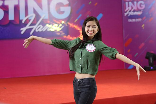 """Hot girl """"chân khoèo, mắt lác"""" gây bất ngờ ở cuộc thi Miss Teen - 8"""