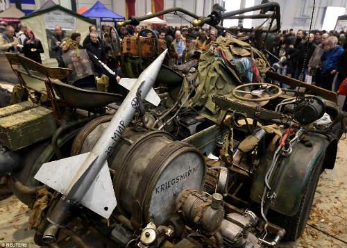 Kinh hoàng môtô mang động cơ xe tăng 1000 mã lực - 4