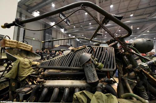 Kinh hoàng môtô mang động cơ xe tăng 1000 mã lực - 5