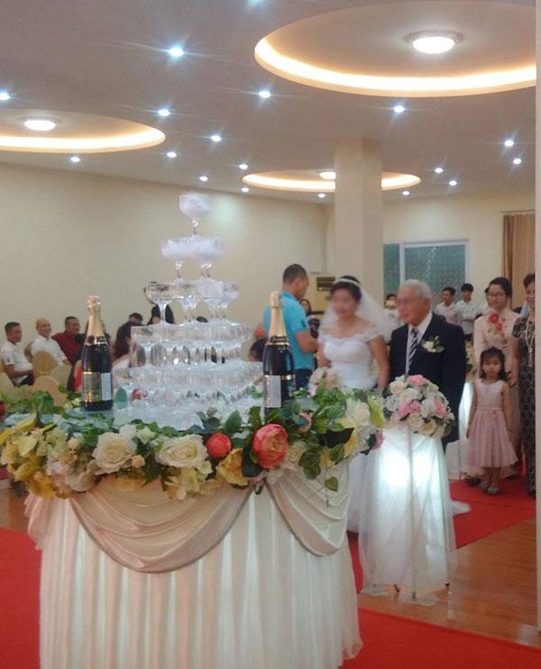 Xôn xao đám cưới cô dâu 20 và cụ ông U70 ở Hải Phòng - 3