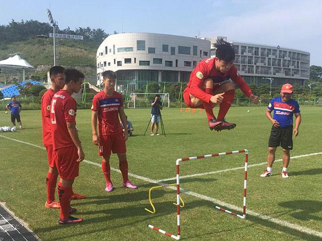 U23 Việt Nam: Công Phượng tập như VĐV điền kinh chờ xông đất SEA Games