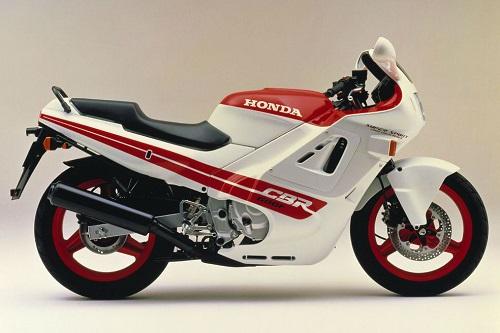 """Top 10 mẫu xe """"đình đám"""" nhất của Honda - 1"""