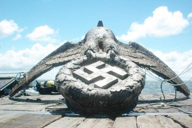 Biểu tượng phát xít Đức dưới biển sâu được bán giá 300 tỉ - 3