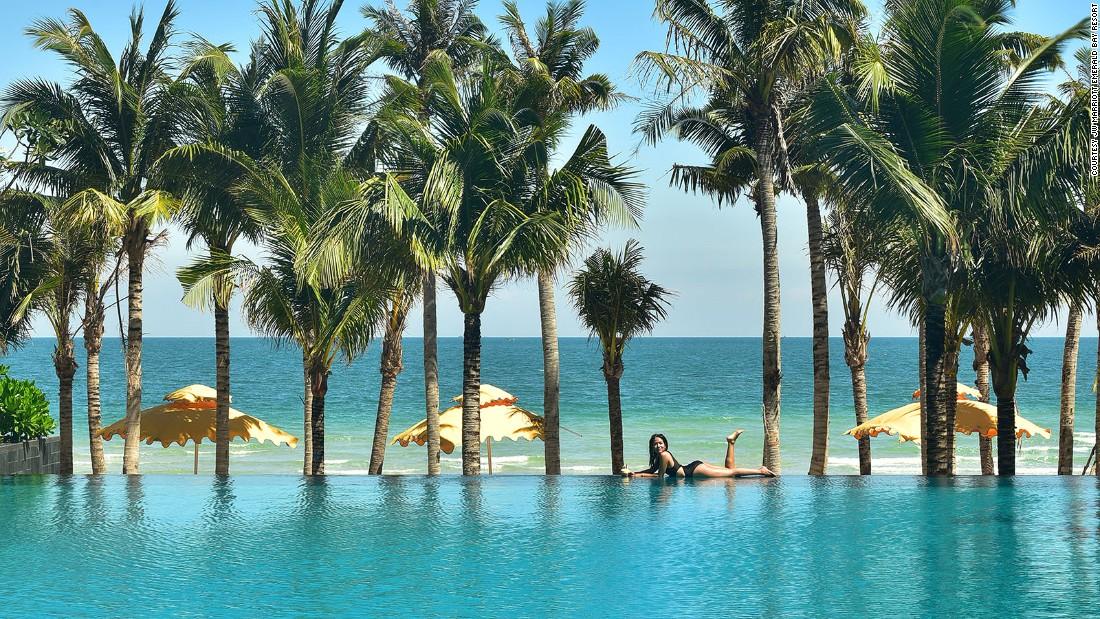 Việt Nam lọt top những nơi có khu nghỉ dưỡng xa hoa nhất thế giới - 9