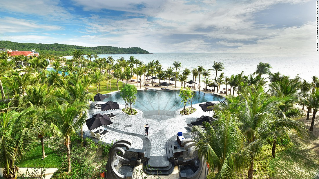Việt Nam lọt top những nơi có khu nghỉ dưỡng xa hoa nhất thế giới - 8