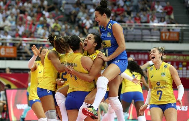 Bóng chuyền nữ: Hấp dẫn siêu kinh điển Brazil - Italia, lên đỉnh thế giới - 1