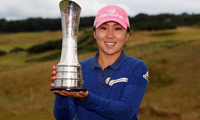 """Golf 24/7: Quái kiệt Hàn Quốc """"đè bẹp"""" nhan sắc Anh, Mỹ - 1"""
