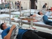 Tin tức trong ngày - Người mắc sốt xuất huyết ồ ạt nhập viện, hội trường thành phòng bệnh