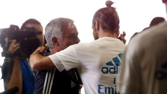 """Mourinho nhắn tin """"gạ gẫm"""" Bale & chiêu trò giúp MU quyết thắng Real - 1"""