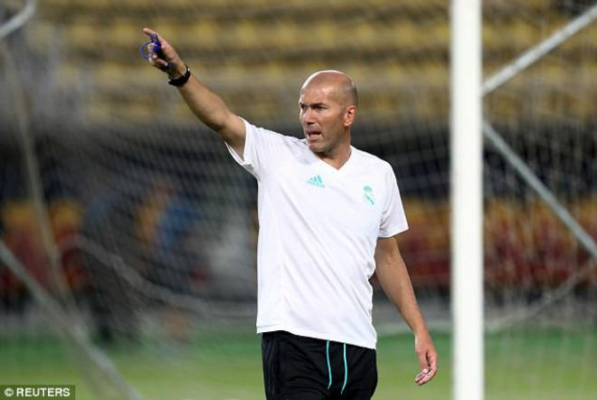 Siêu cúp châu Âu Real - MU: Ronaldo khoe 6 múi, tập sung chờ tái xuất - 9