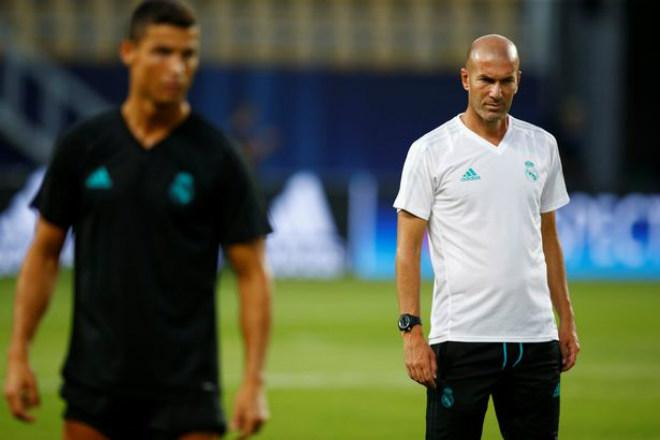 Siêu cúp châu Âu Real - MU: Ronaldo khoe 6 múi, tập sung chờ tái xuất - 8