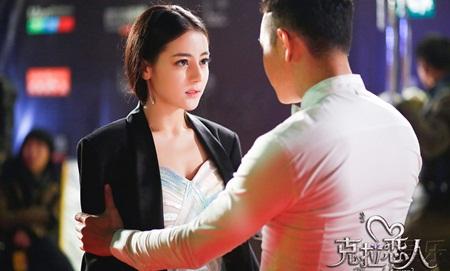 """Địch Lệ Nhiệt Ba: """"Hoa tuyết Tân Cương"""" xinh đẹp của màn ảnh Hoa ngữ - 11"""