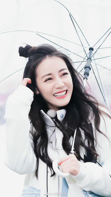 """Địch Lệ Nhiệt Ba: """"Hoa tuyết Tân Cương"""" xinh đẹp của màn ảnh Hoa ngữ - 3"""