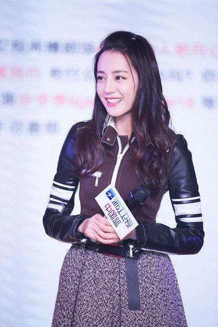 """Địch Lệ Nhiệt Ba: """"Hoa tuyết Tân Cương"""" xinh đẹp của màn ảnh Hoa ngữ - 7"""