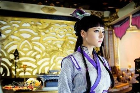 """Địch Lệ Nhiệt Ba: """"Hoa tuyết Tân Cương"""" xinh đẹp của màn ảnh Hoa ngữ - 8"""