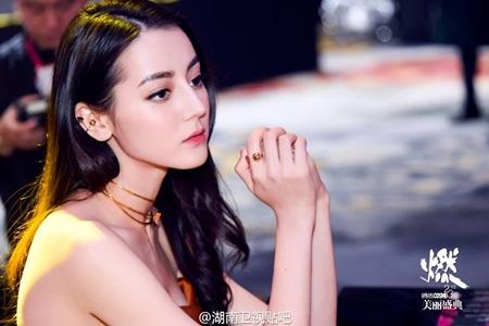 """Địch Lệ Nhiệt Ba: """"Hoa tuyết Tân Cương"""" xinh đẹp của màn ảnh Hoa ngữ - 10"""