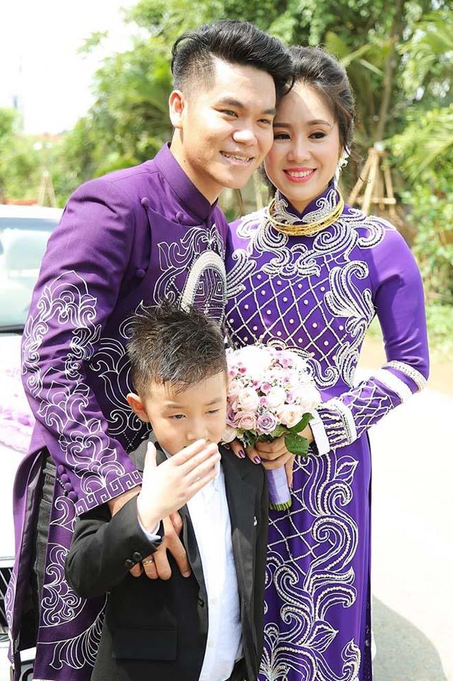 Con trai quấn quýt Lê Phương không rời trong ngày mẹ tái hôn - 8