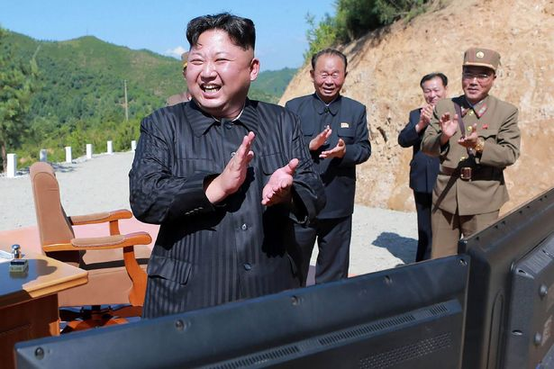 Sợ Triều Tiên, dân Nhật lần đầu tập sơ tán từ Thế chiến 2 - 1