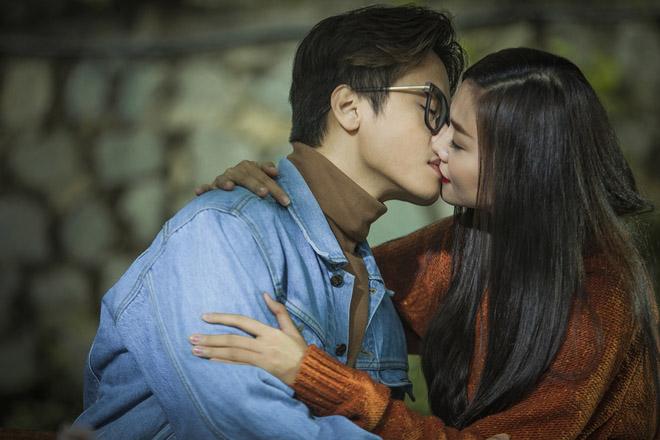 """Thanh Hằng thấy tiếc vì đã hôn Hà Anh Tuấn như """"chuồn chuồn lướt nước"""" - 4"""